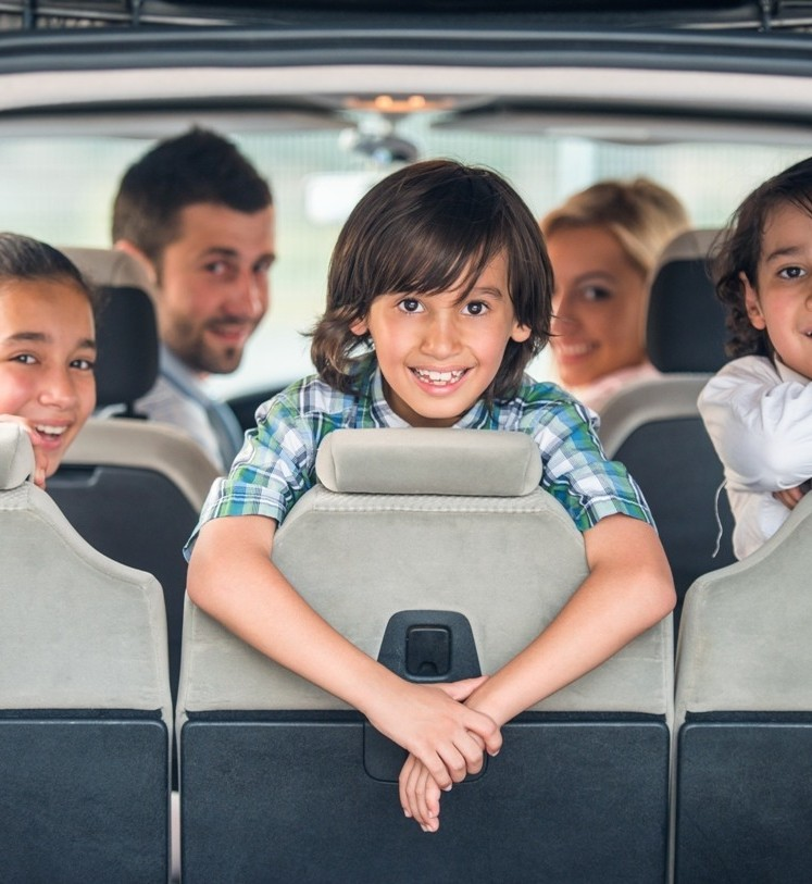 family-car-rental-social