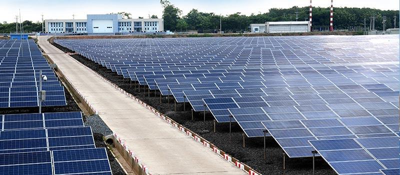 โรงงานไฟฟ้าแสงอาทิตย์ พลังงานแห่งอนาคต